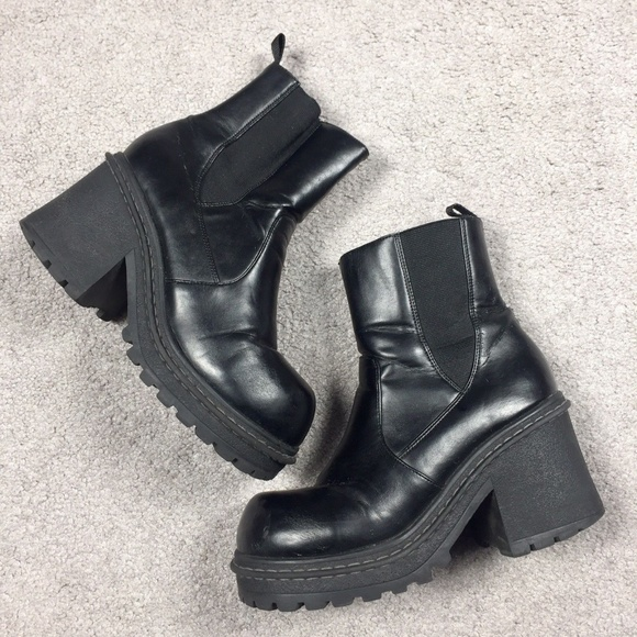 c192e625d31 90's Chunky Heel Platform Goth Grunge Ankle Boots